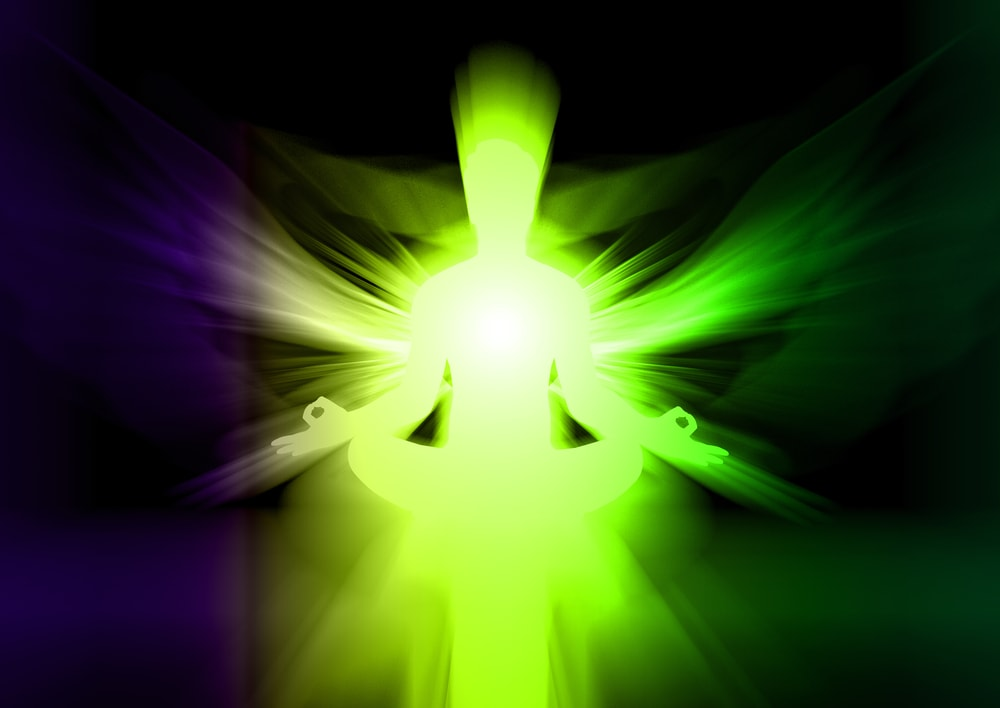 What is the Difference Between Auras and Chakras?